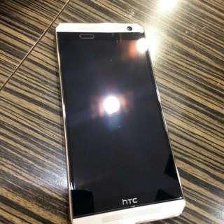 急售🎀 9成新hTc OneE9+dual Sim 32G✨白金色