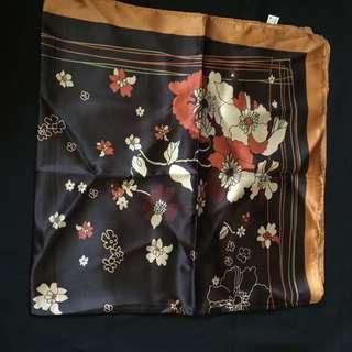 Square scarf / Tudung