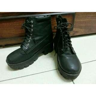 黑色高統靴