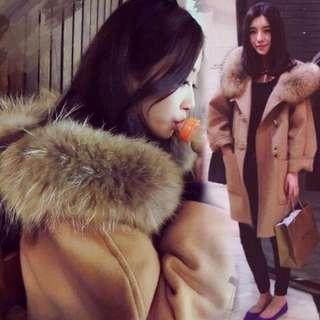 獨💗超大毛領厚棉連帽牛角羊毛大衣