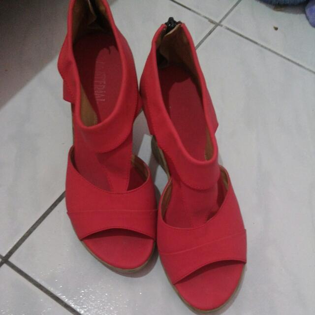 桃紅色羅馬鞋