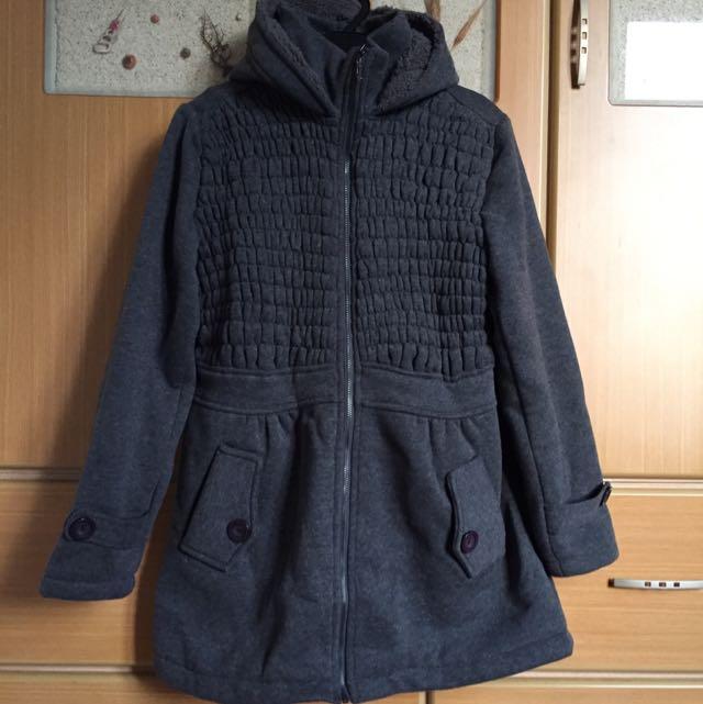 ✨全新✨深灰色厚外套