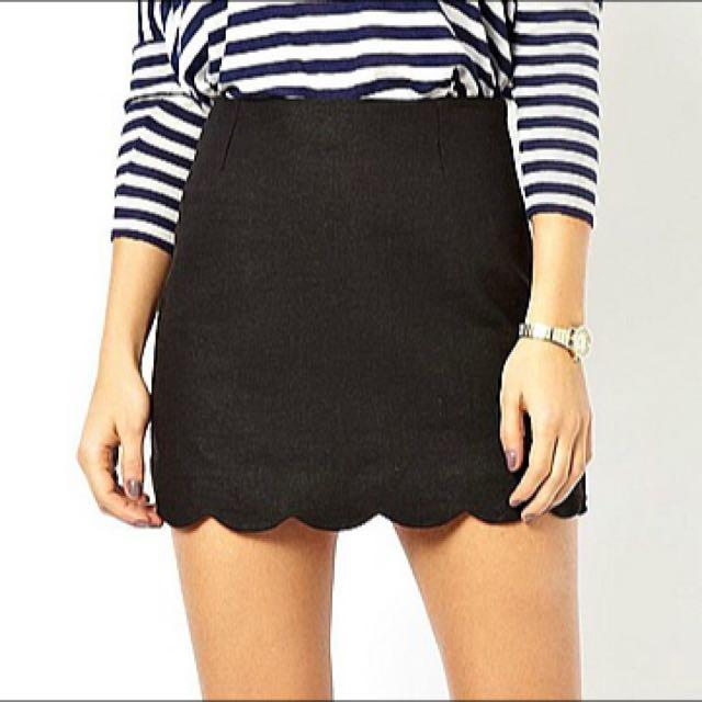 e4b41d916 PENDING) Black Scallop Skirt, Women's Fashion on Carousell