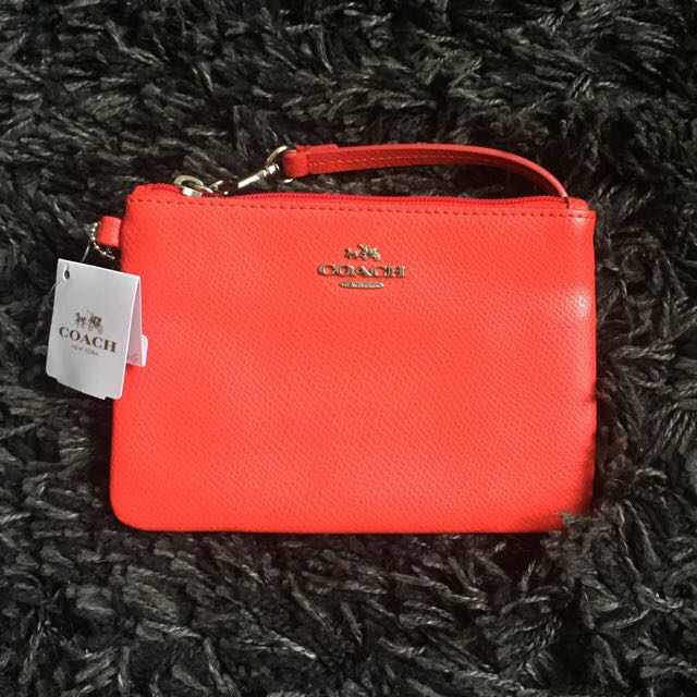 [Brand New] COACH CROSSGRAIN LEATHER SMALL WRISTLET IN CORAL