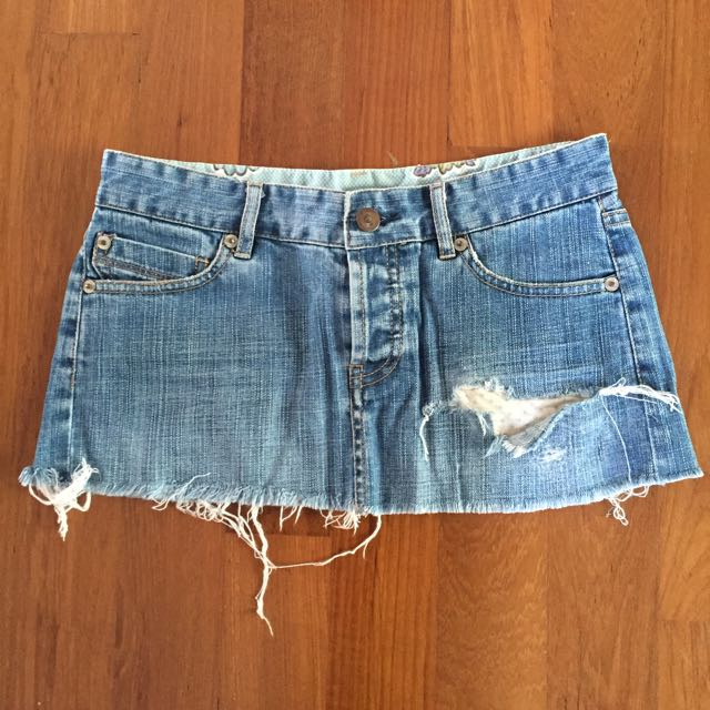 3d3a528198 FCUK Distressed Denim Low Waist Mini Skirt, Women's Fashion on Carousell