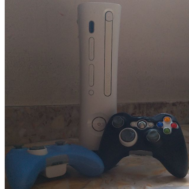 Xbox 360] PRICE REDUCED! - Pre-owned Xbox 360 Pro (20GB Fat