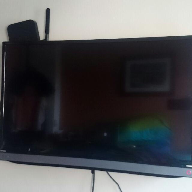 "Toshiba 32"" Power LED TV"