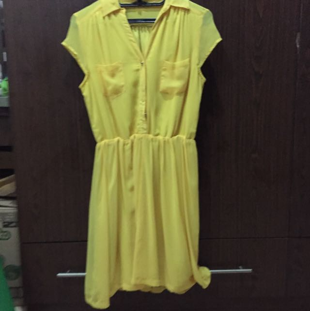 Yellow tHe Executive Dress