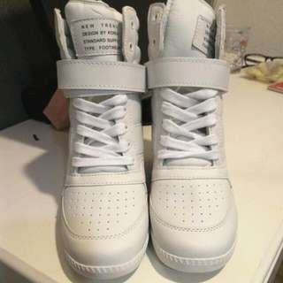 女孩的最愛❤ 全白高筒板鞋