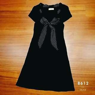 ✔V領點點蝴蝶結綁帶針織洋裝