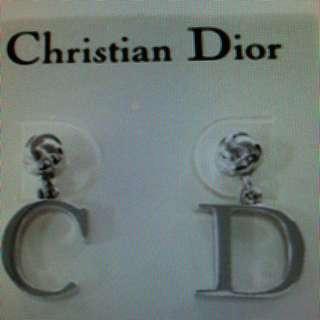 🚚 真品CD耳環