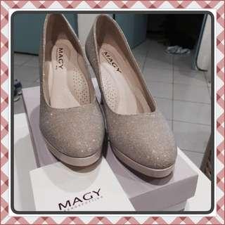 (九成新)Magy 婚鞋只穿過一次 6號 23.5號
