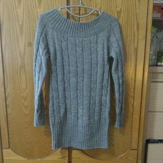👉寬領長版灰色麻花毛衣