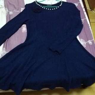 (降價出清)深藍色針織洋裝