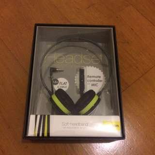 ELECOM耳罩式耳機(全新)