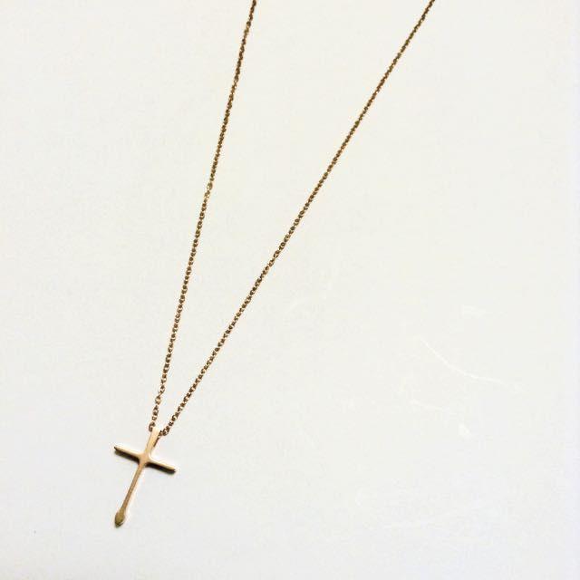金色十字架鎖骨鍊