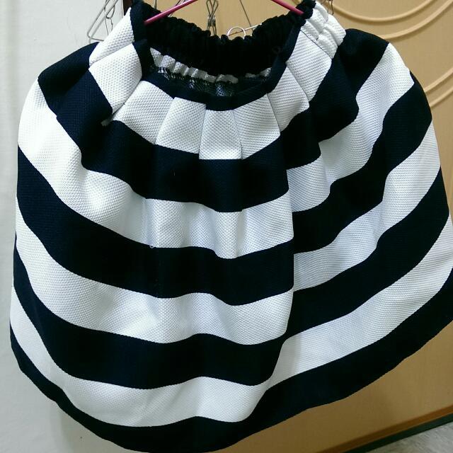 深藍條紋短裙