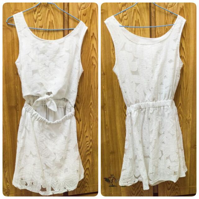 花朵蕾絲 露腰後綁帶無袖洋裝 白色