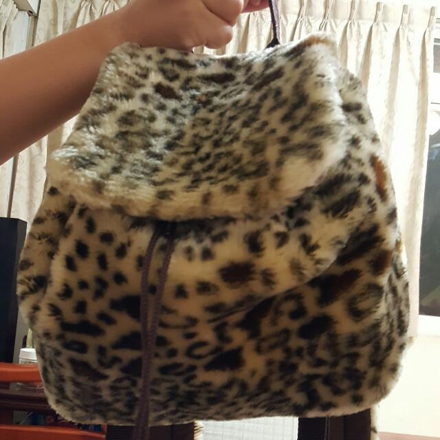 ESPRIT豹紋後背包