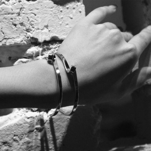 ◆Hasna◆簡約款百搭單環曲線造型手環 (金/銀) 二色