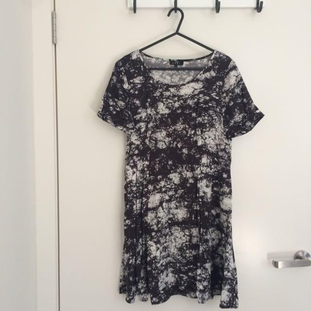 Love Ezra Marble Dress with Pockets