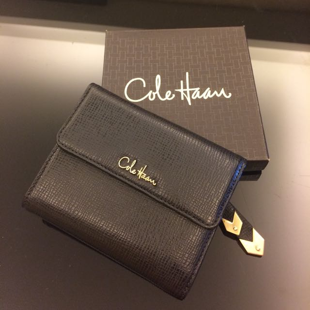 c353a6e02e0 Authentic Cole Haan Wallet (Woman), Women's Fashion, Bags & Wallets on  Carousell