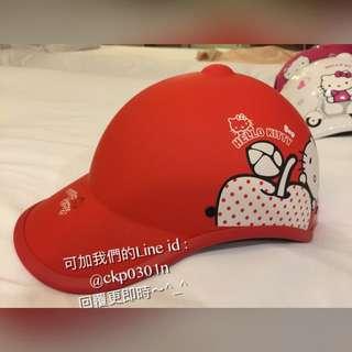 Hello Kitty 亮紅色棒球帽造型安全帽 /綁馬尾也方便