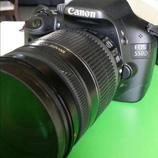 Canon Eos 550 With 18- 200mm lens
