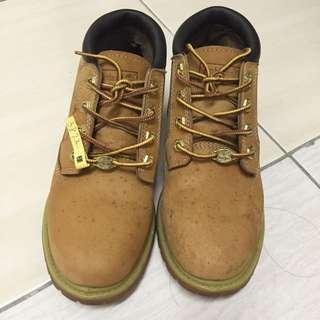 Timberland 短靴 (23.5號)