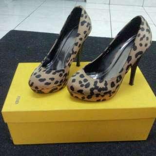 [ Reduced ] Leopard Pump Heels