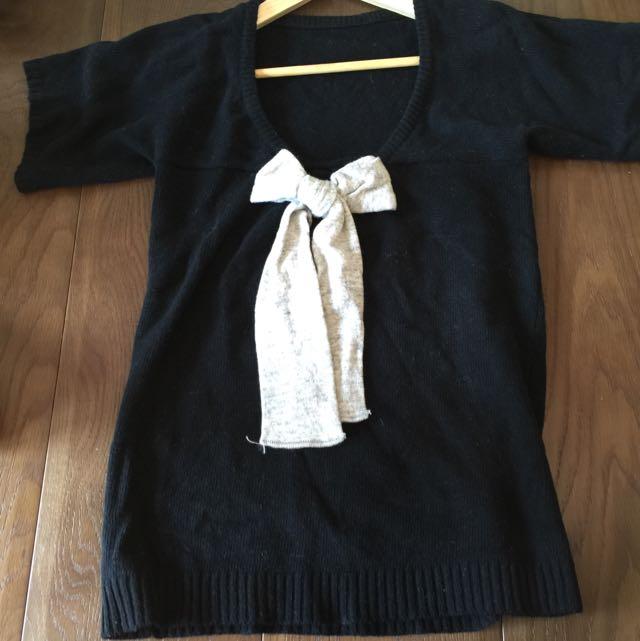 八成新胸口蝴蝶結短䄂針織衫(短洋)