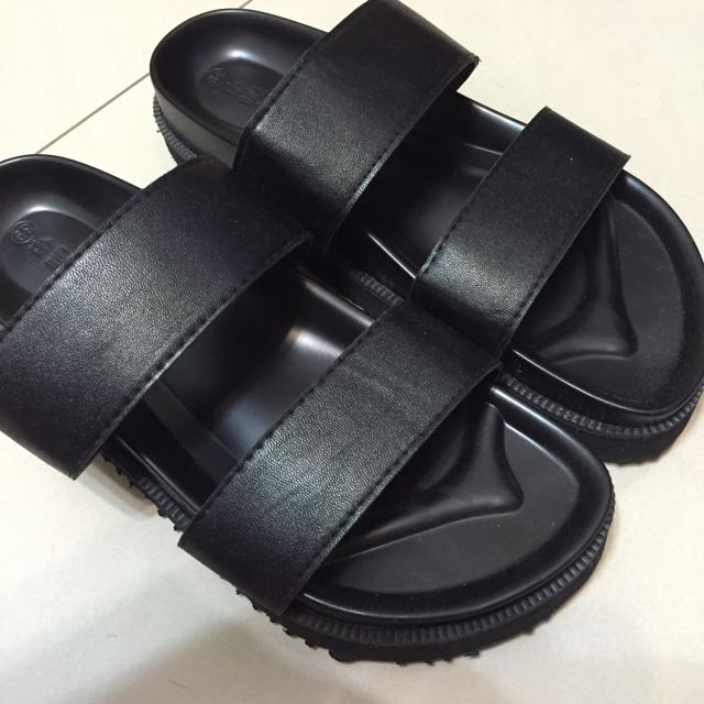基本黑色涼拖鞋