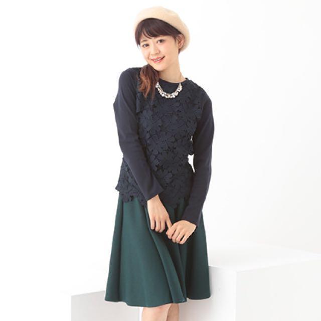 日系品牌earth蕾絲花紋上衣