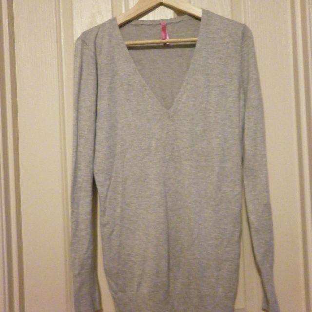 Grey Dotti sweater - Size M