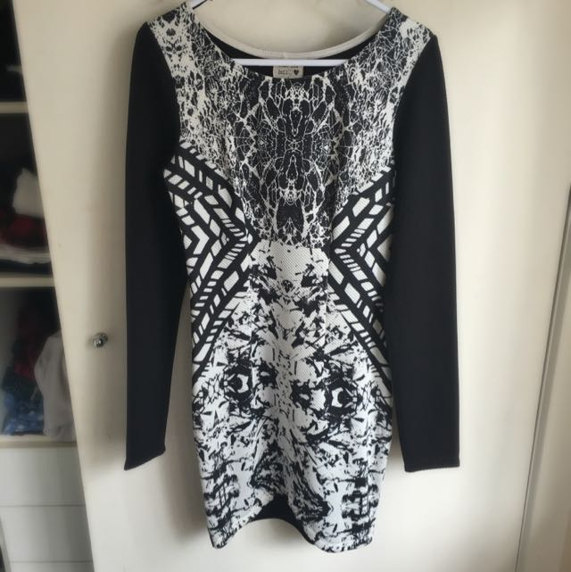 Long Sleeve Black And White Pattern Dress