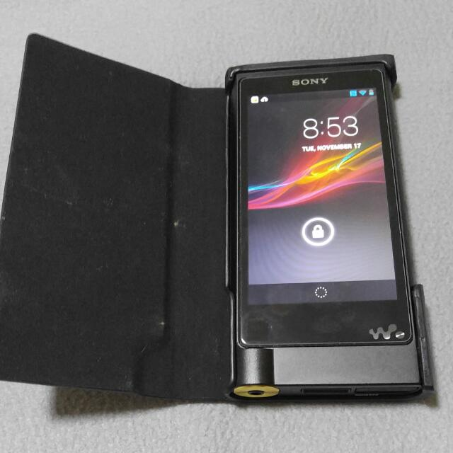 finest selection dc219 b1c08 Sony ZX2 with CKL NWZX2 Leather Case