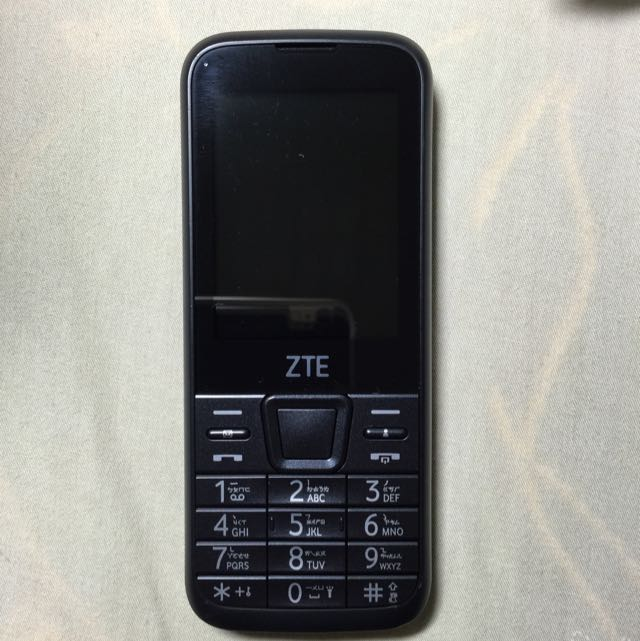 ZTE F320 無照相功能手機 亞太支援4g最新款 軍人適用