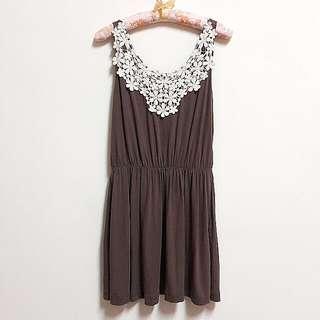 蕾絲花片縮腰長版上衣.洋裝