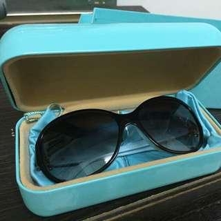 Tiffany 小花太陽眼鏡 (全新附盒裝保證卡原價ㄧ萬五)