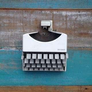 Gritzner Typewriter