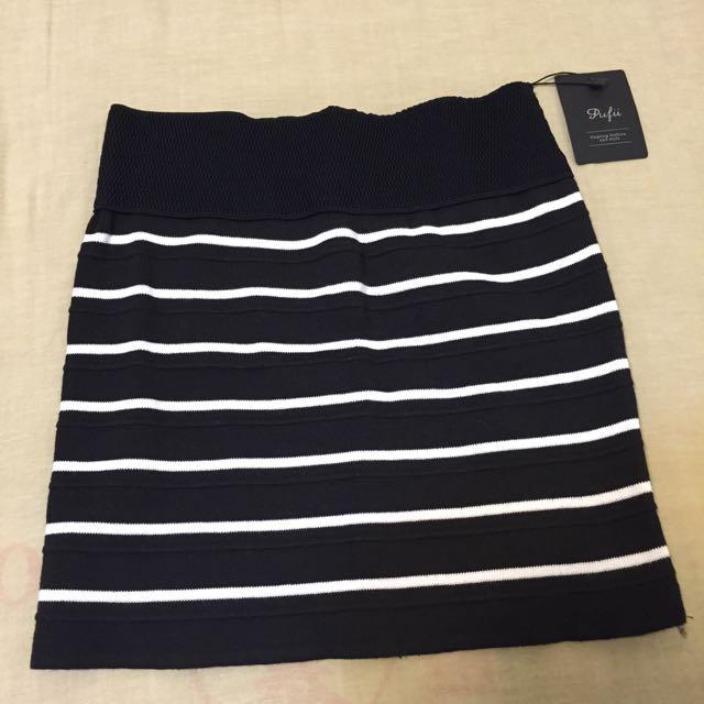 👧🏻全新條紋短裙