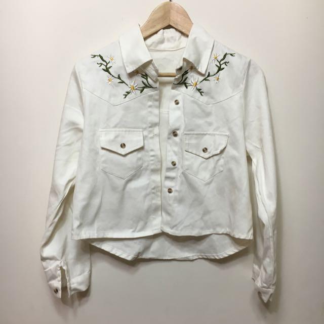 【二手】白色前短後長小花襯衫