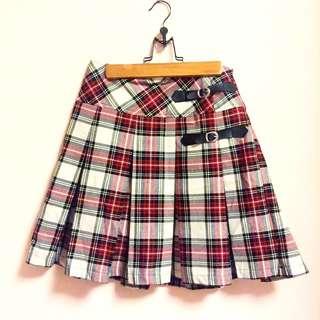 全新女孩到蘇格蘭裙穿搭