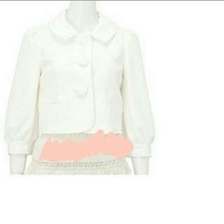 日本Brownie bee。秋冬正品。奶白色外套。超甜美,可正式場合。
