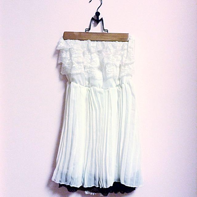女神平口白色短裙