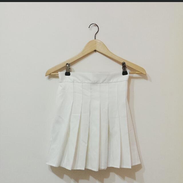 【保留中】白色百折後鬆緊短裙