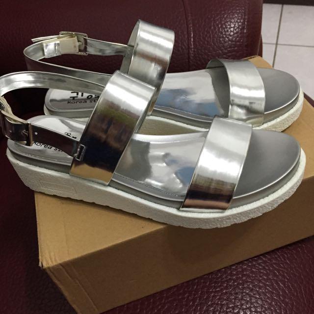 銀色涼鞋(全新 降🎉
