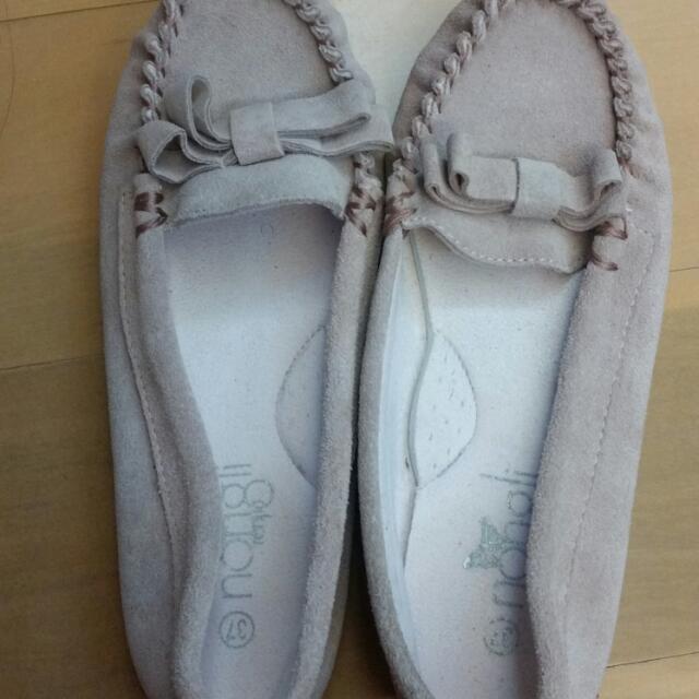 藕粉色莫卡辛豆豆平底鞋
