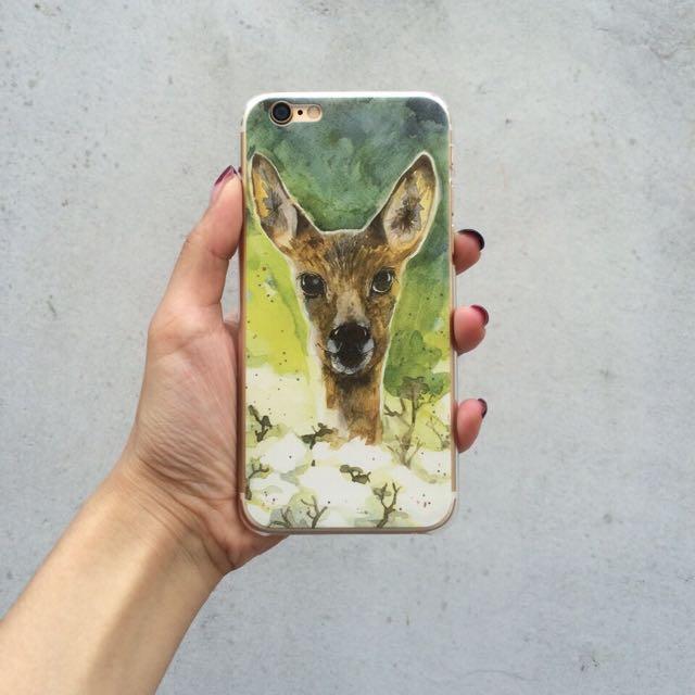 草叢中的鹿