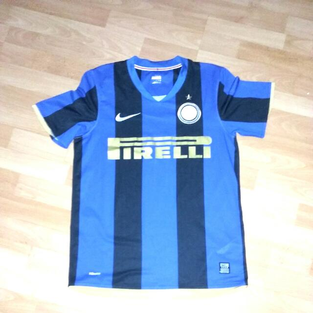 los angeles 5ab1a f2e5c Inter Milan 2010 Home Kit, Sports on Carousell